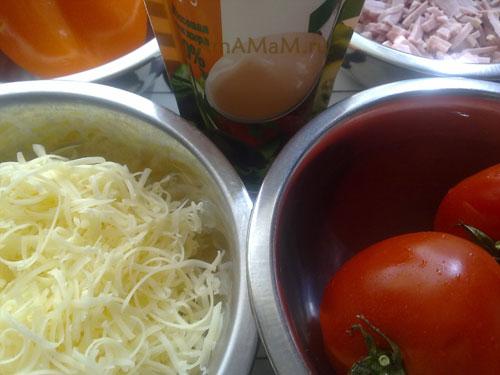 Состав продуктов для приготвления французского сырного салата с ветчиной, помидорами и перца