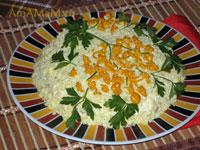 Салат Мимоза с сыром, яйцами и консервированной рыбой - очень вкусное блюдо на праздничный стол!
