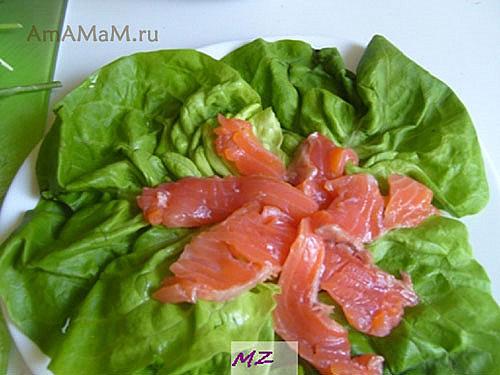 Как приготовить салат с красной рыбой (малосольной)