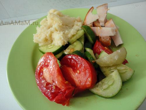 Что сделать из малосольных огурцов - простой рецепт вкусного салата