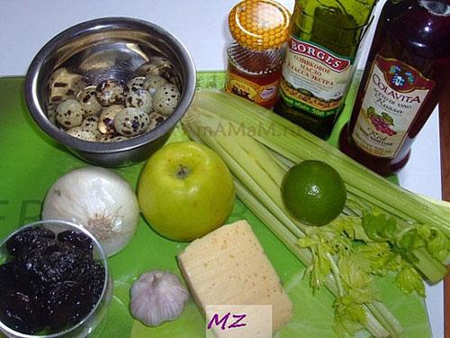 Состав продуктов для витаминного салата: фрукты, овощи. сыр, перепелиные яйца