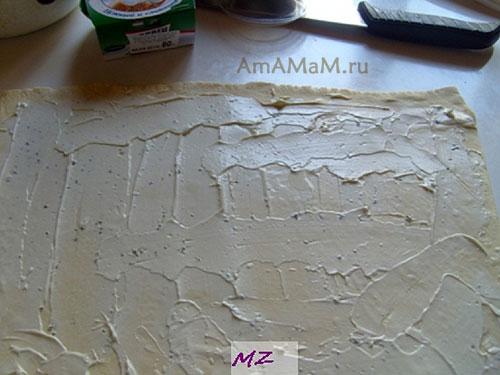 Как сделать закуску из замороженого теста с сыром и креветками