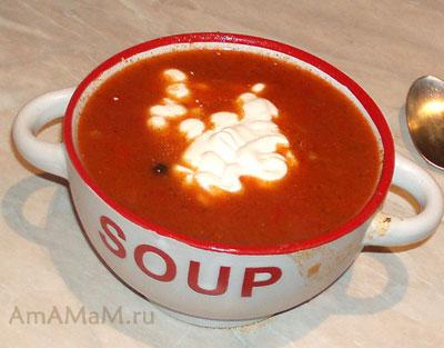 Готовая чашка супа - гуляш с говядиной