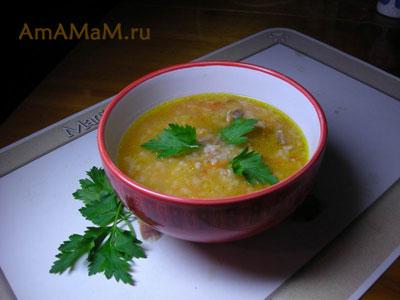 Суп из консервированной фасоли на мясном бульоне с рисом, помидором, морковкой и луком