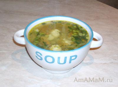 Очень вкусный готовый суп из цветной и белокочанной капусты (зеленые щи)