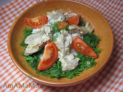 Очень вкусная подливка из куриных желудков (пупков) на мацони (йогурте)