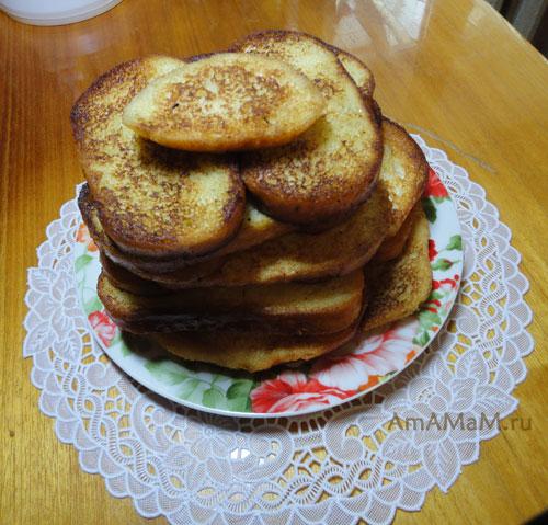 Гренки из батона (булочки) - рецепт и фото