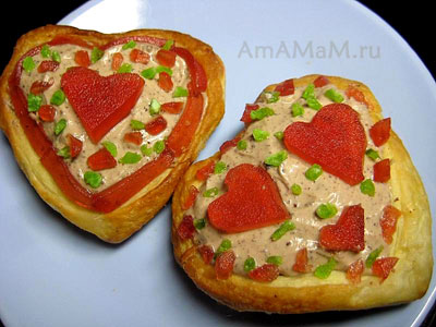 Пирожные-сердечки из слоеного теста - рецепт с фото