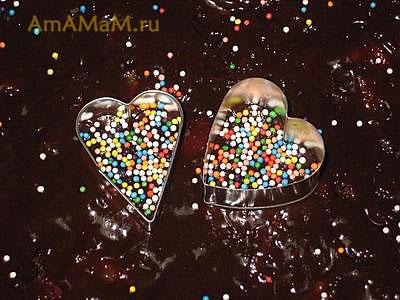Украшение торта сердечками