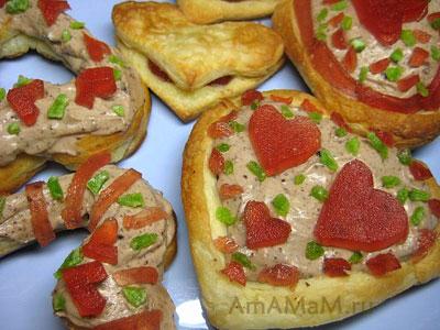 Очень вкусные, разные, готовые сердечки - пирожные из слоеного теста