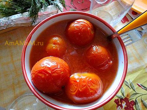 Как заготовить помидоры в помидорном томатном пюре по простому рецепту