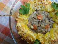 Простая и вкусная картофельная запеканка с грибами (вешенками), луком, морковкой, сыром, сметаной и вином (или бульоном)